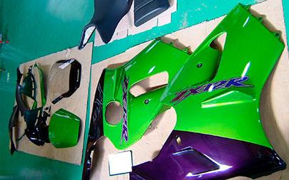 カワサキ ZX12R 施工準備