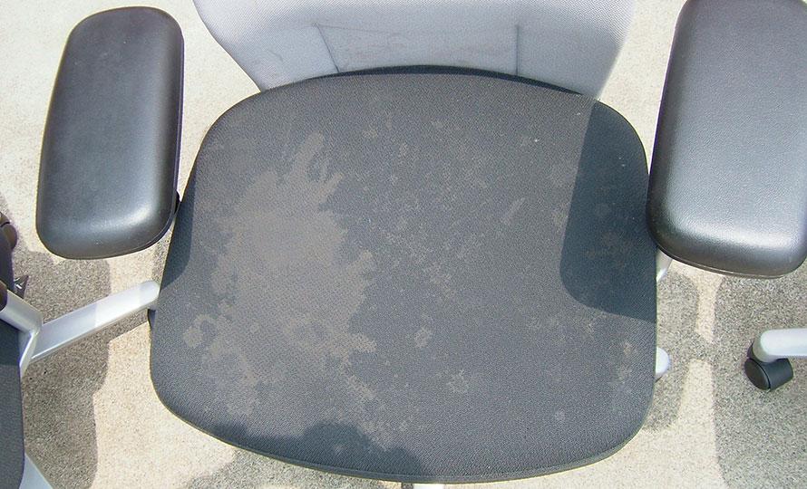 施工後椅子